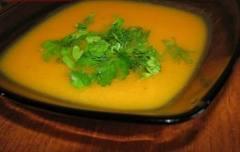 Гороховый суп-пюре с чесноком
