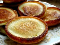 Оладьи на кефире и дрожжах с картофелем