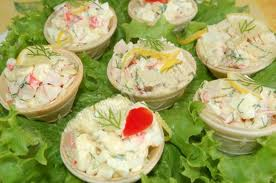 Салат крабик в тарталетках