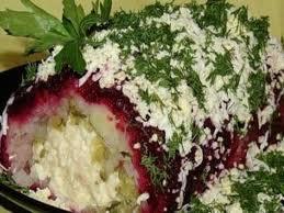 Салат-рулет с копченым сыром